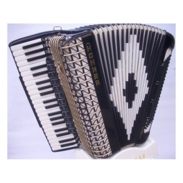 USED ACCORDIONS